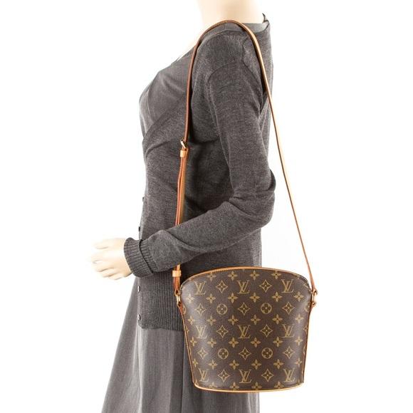 Louis Vuitton Handbags - Authentic Louis Vuitton Drouot Monogram Crossbody 2880ffbf121d